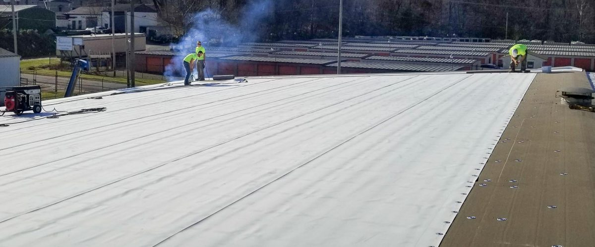 Applying single-ply roofing